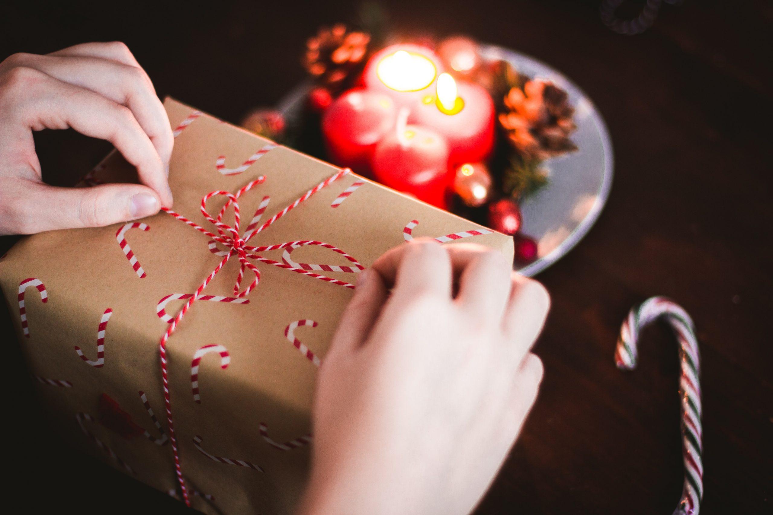 Christmas present trivial benefits